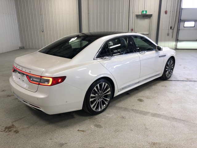 Pre-Owned 2017 Lincoln Continental Reserve, One Owner, Mint Condition, AWD, Fully Loaded
